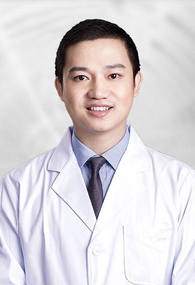 深圳阳光医疗美容医院胸部整形医师陈星光